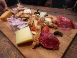 cheese platter stoom bar web